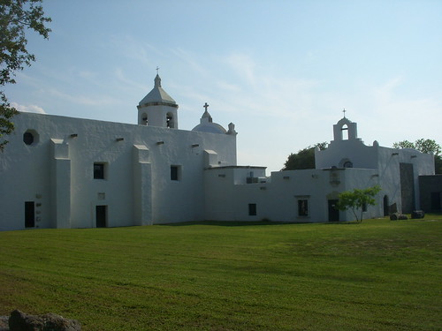 green texas spanish catholicchurch missions lawns goliad spanishmission catholics missionarchitecture