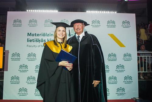 Diplomu pasniegšana Materiālzinātnes un lietišķās ķīmijas fakultātei