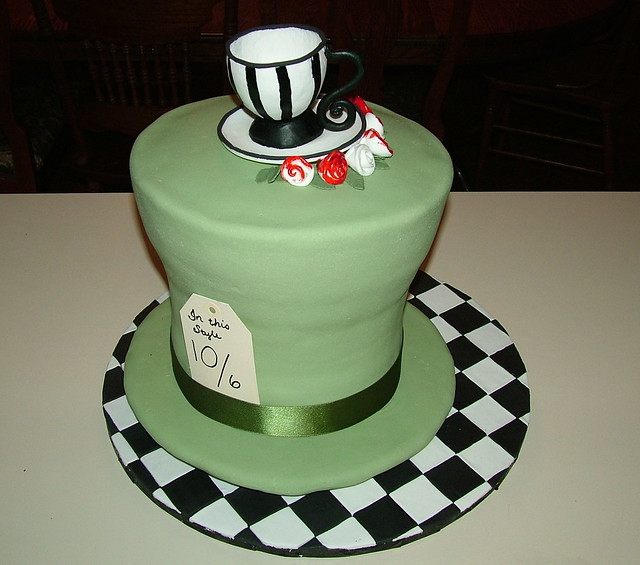 mad hatter hat cake