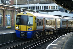 378 011 @ Clapham Junction by crashcalloway