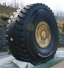 tire, automotive tire, automotive exterior, wheel, tread, formula one tyres,