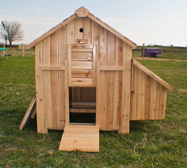 Chicken coop flickr photo sharing for Coop house plans