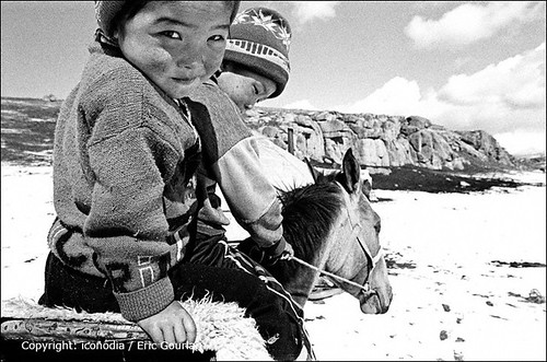2003 camp people bw horse lake children landscape cheval shepherd lac nb september nomad kyrgyz kg population ethnic paysage centralasia kyrgyzstan enfant gens berger nomade naryn kirghizistan asiecentrale ethnie songkul songköl ethnicgroup nomadcamp traditionallife narynprovince vietraditionnelle 1nb kirghize egourlan iconodia ericgourlan gourlan ethniegoupe campnomade narynregion 31662kgn songkel