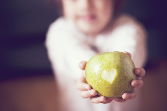 I ♥ apples (129/365)