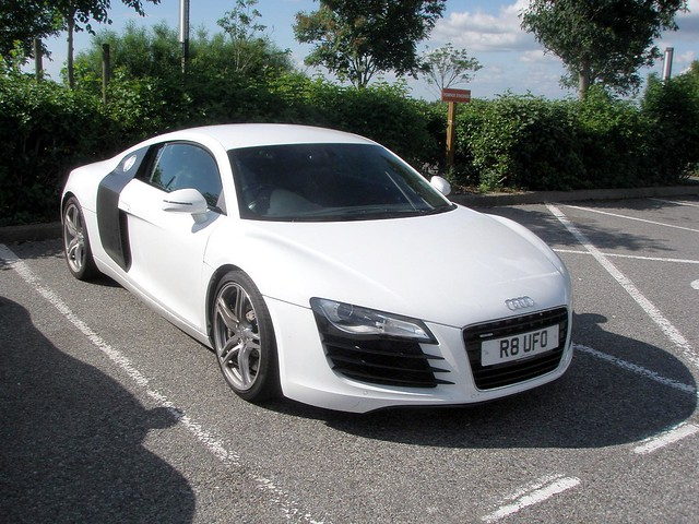 audi r8 blanche flickr photo sharing. Black Bedroom Furniture Sets. Home Design Ideas