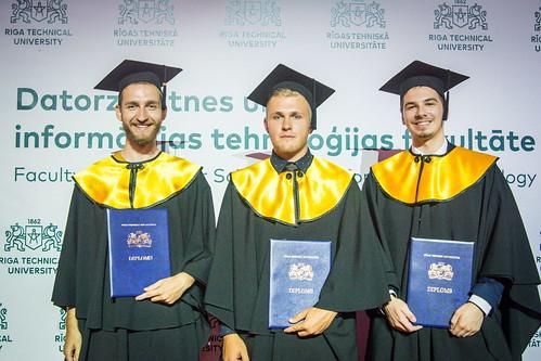 Diplomu pasniegšana Datorzinātnes un informācijas tehnoloģijas fakultātei