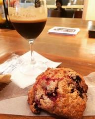 next time will order the espresso soda as the shakerato has a little wine in it🙀 #citybakery #grandfrontosaka #osaka #shakerato #scone #japan #シェーカラト #スコーン #グランフロント大阪 #シティーベーカリー