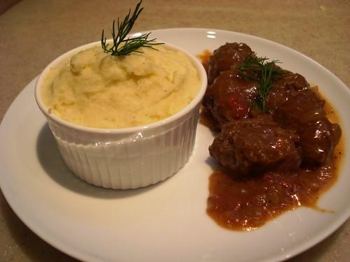 [ السويد ]       [ كرات اللحم السويديه ]