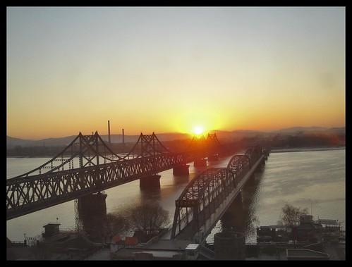 china bridge sunrise northkorea liaoning dandong sinuiju friendshipbridge