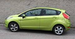 automobile(1.0), supermini(1.0), vehicle(1.0), city car(1.0), ford(1.0), ford fiesta(1.0), land vehicle(1.0), hatchback(1.0),