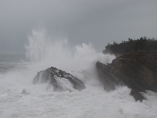 ocean statepark beach oregon wow coast rocks waves stormy cliffs oregoncoast powerful crashing turmoil crashingwaves forceofnature oceanspray shoreacres hugewaves