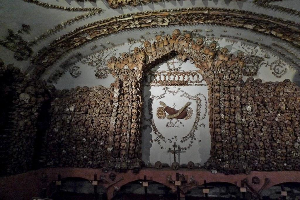 Cripta de las calaveras