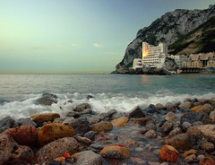 CATALAN BAY    ( O   LA CALETA)