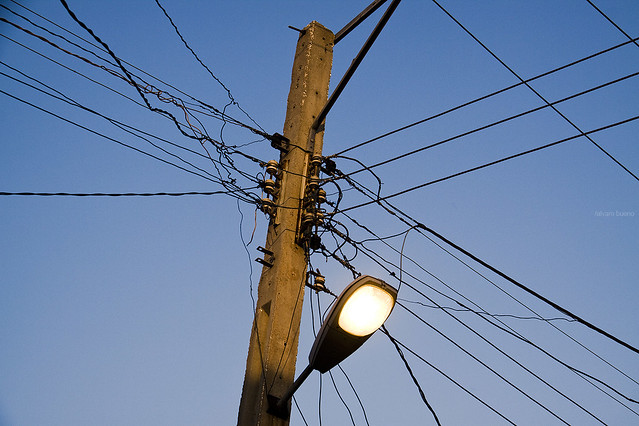Cables y postes de luz cubanos y populares. | Flickr - Photo Sharing!