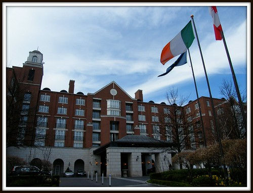 The wonderful Four Seasons Hotel Dublin, located in the exclusive Ballsbridge area of the irish capital, only a few minutes from the city centre and the Financial centre - IFSC - Simply enjoy the magic!:)