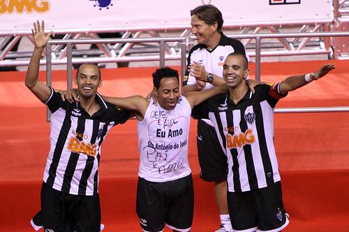 Marques comemora o título Mineiro de 2010