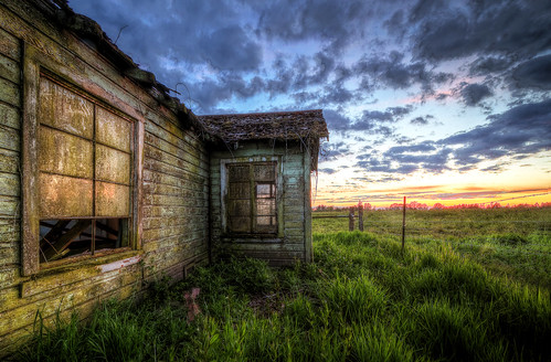 sunset house broken glass field night oregon canon eos evening cow dismal farm 7d hdr highdynamicrange dayton rundown