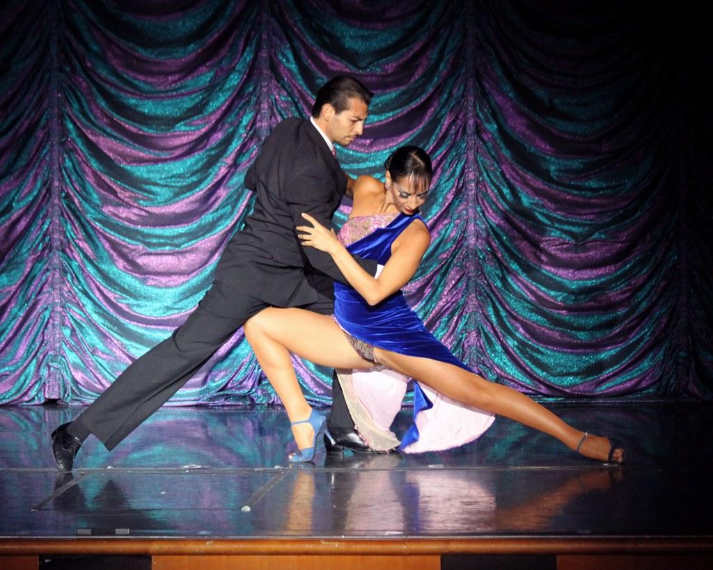 dancer upskirt Tango Buenos Aires ( Analia & Gabriel )