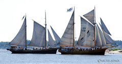 sail, sailboat, sailing ship, schooner, vehicle, ship, thames sailing barge, training ship, fluyt, mast, lugger, galeas, sloop-of-war, caravel, tall ship, watercraft, boat, brig, brigantine,