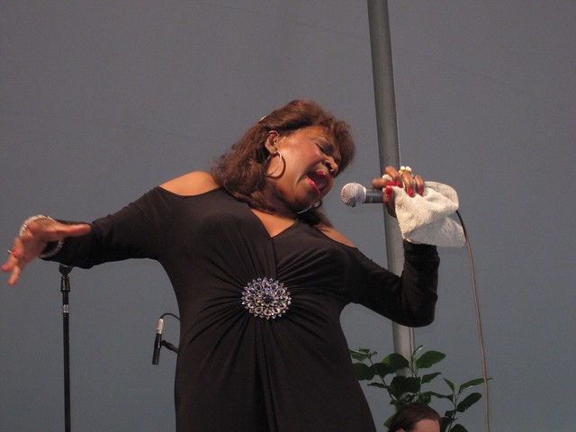 Queen bee of soul, Maxine Brown, performs on the Esplanade in honor of BBG's 100th birthday. Photo by Rebecca Bullene.