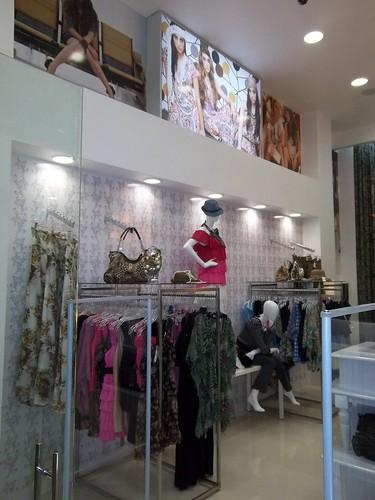 Muebles para boutique ropa 20170812205150 for Disenos para boutique