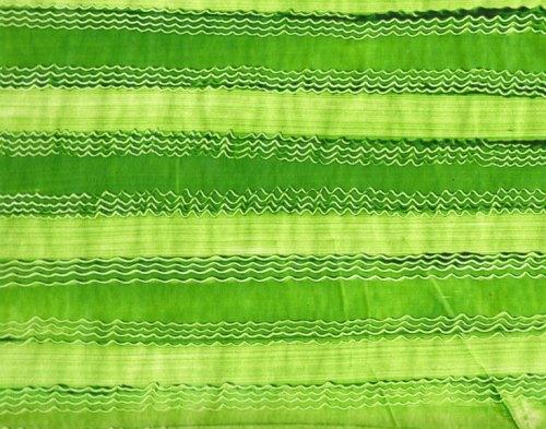 klassisch-grun-tapete-quer