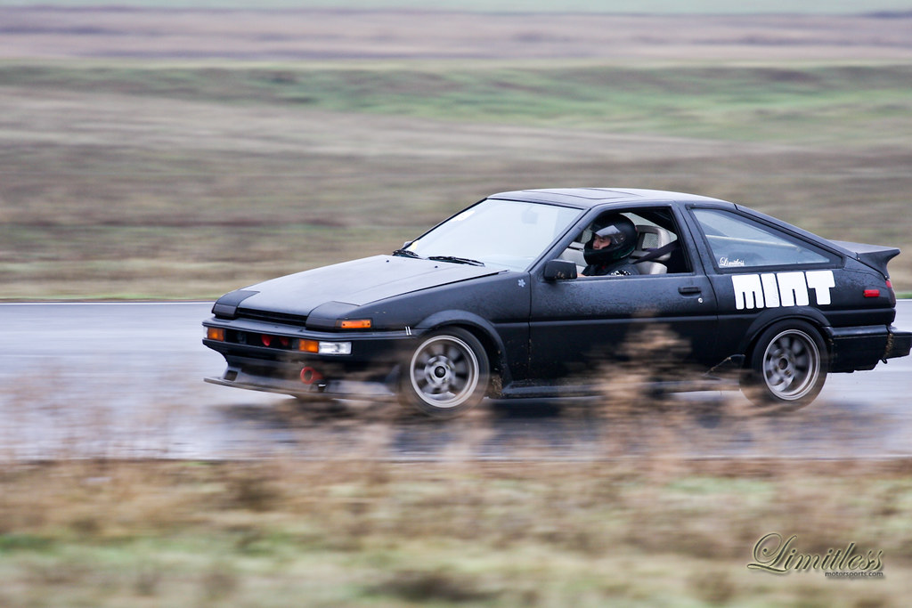 Preparing the Toyota AE86 for a Run in the Targa