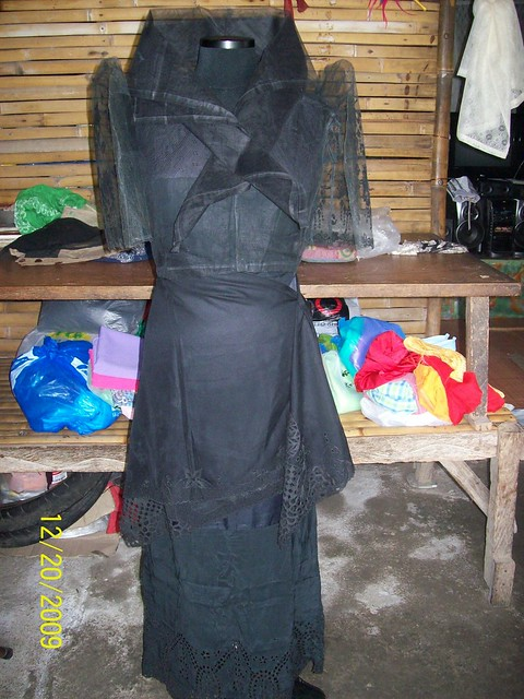 Balintawak Costume Philippines http://dress.ankletss.com/maria-clara-dress/