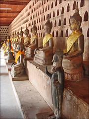 L'intérieur du cloître du Vat Sisaket (Vientiane)