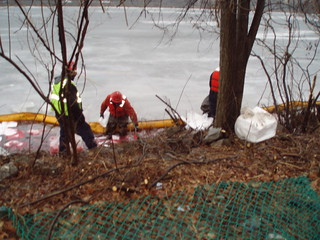 MassDEP Response to a Heating Oil Spill to the Charles River, Cambridge, MA
