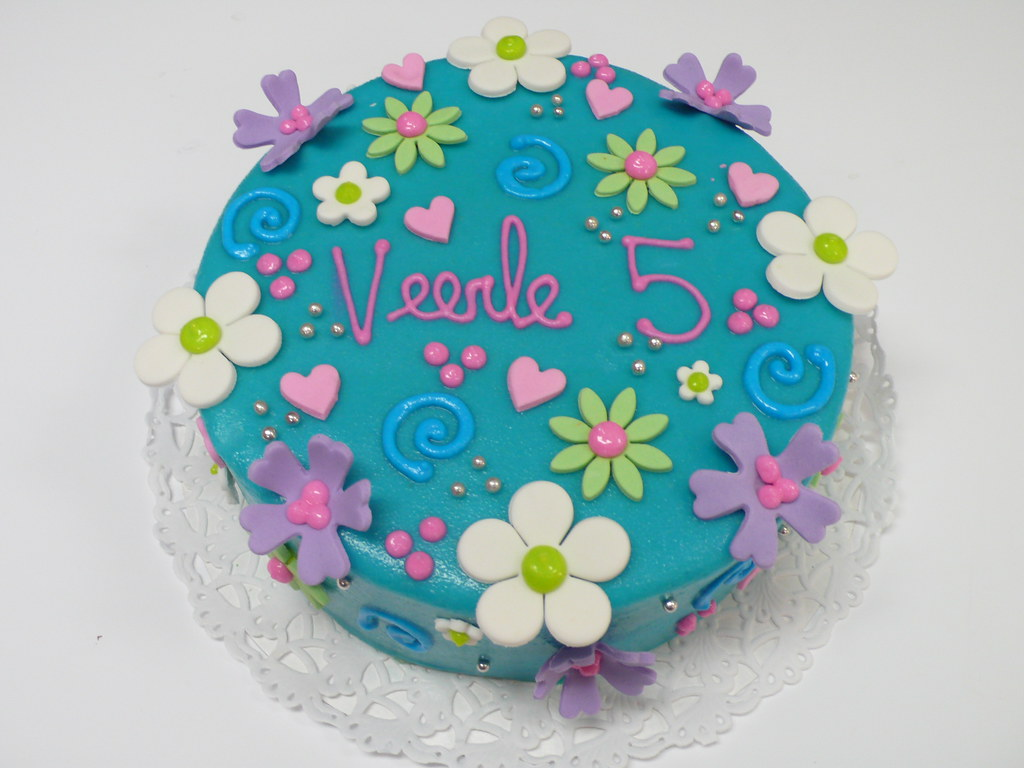 Pleasing Pretty Birthday Cake I Love This Simple Standard Cake With Flickr Personalised Birthday Cards Veneteletsinfo