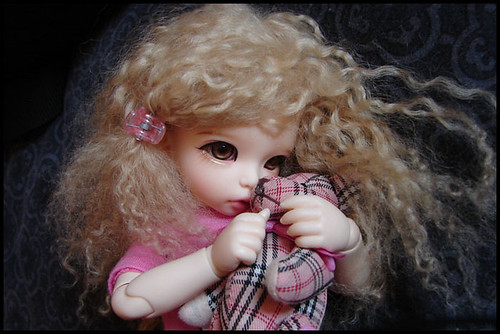 Rukiya's Dolls MAJ 20/07 ~Box Opening Poi Hug Me~ p34 - Page 4 4539117288_829989f645