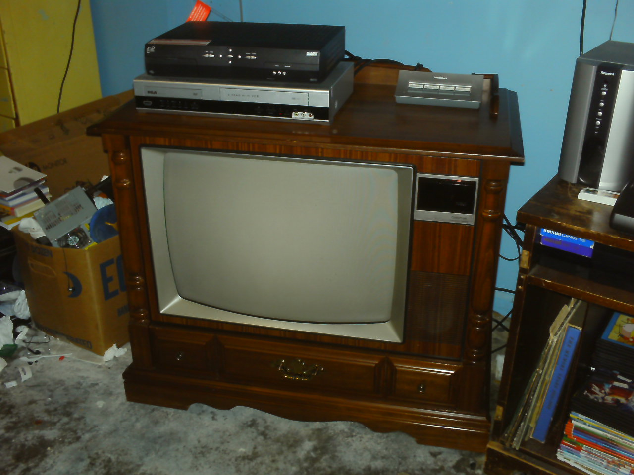 Turning a floor model television into a mame cabinet for Floor model tv