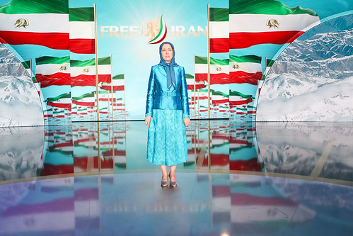 Singing the O'Iran national anthem at the Grand Gathering for a Free Iran, Villepinte, Paris, July 1, 2017