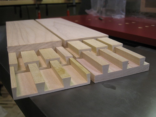 A rolling base for my planer parallel sliding