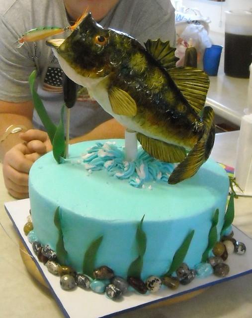 fondant fish cake