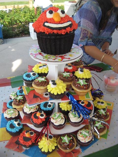 Sesame Street cupcake tower 1st Birthday | Flickr - Photo ...