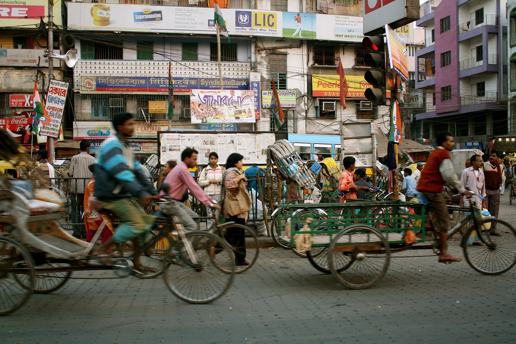 Kolkata from a cab - various forms of transportation