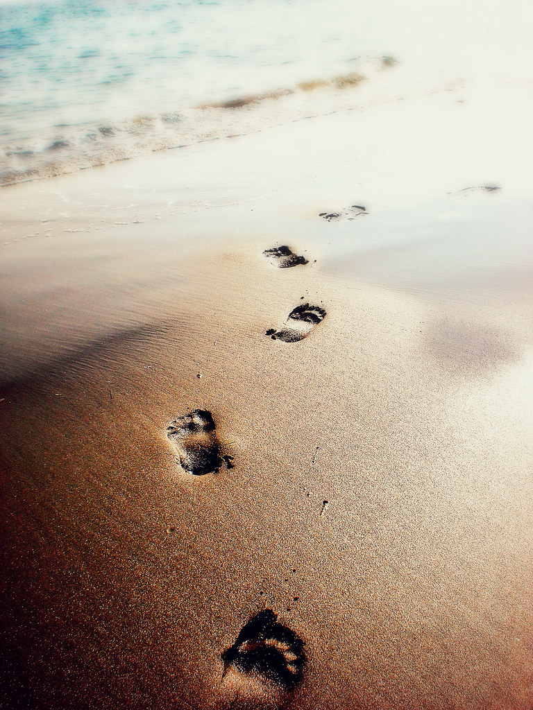 Footprints in the Sand | One night I dreamed I was walking ...