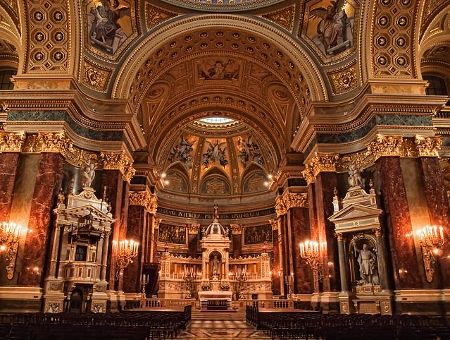 Budapest Basilica - The Altar