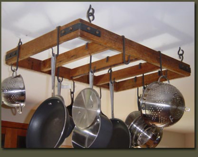 RUSTIC COUNTRY PRIMITIVE HANGING POT RACK