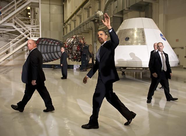 Obama bombarda il