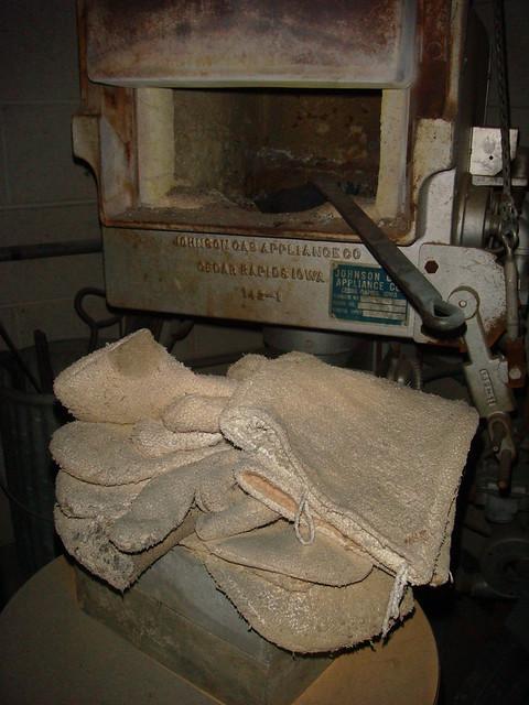 Asbestos Textile Mitts