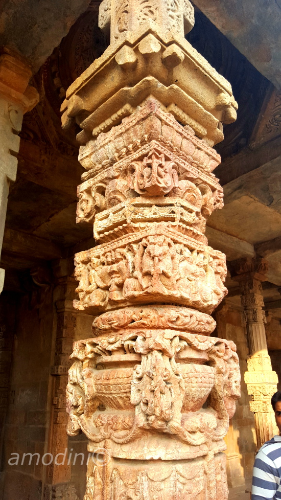 Pillar detail, Qutb complex, New Delhi