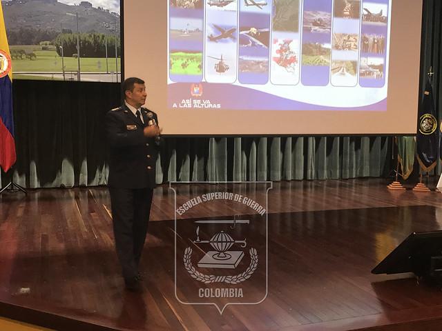 Cátedra Colombia con el Comandante de la Fuerza Aérea Colombiana.