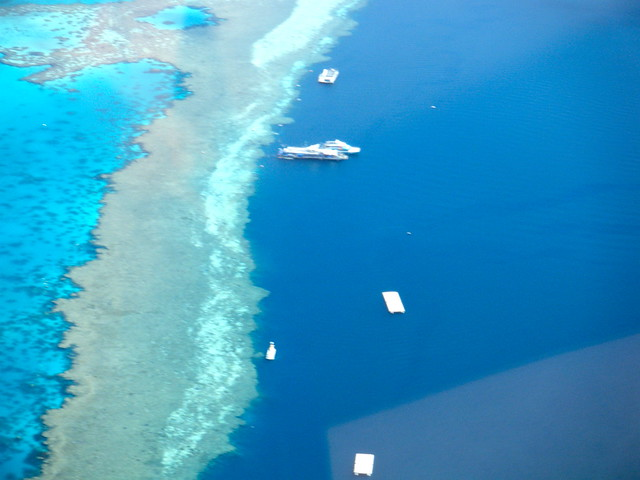 Amazing Great Barrier Reef from the air - Flickr CC sackerman519