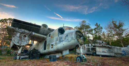 sunset sun rot abandoned broken rotting graveyard field st plane airplane golden nikon rust florida decay navy rusty abandon hour rusting fl rotten bomber naval setting augustine tracker hdr highdynamicrange hdri s2 grumman d300 cs4 photomatix reconnaissance s2c floridanikond300airplanegraveyardstaugustine