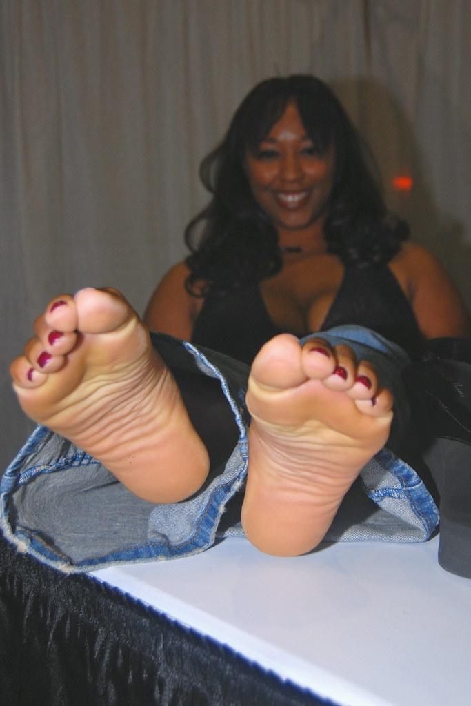 Ebony Sexy Soles 58