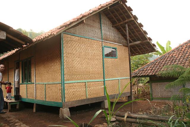Rumah Panggung Sunda