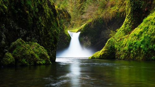 oregon creek waterfall nikon lush frontpage columbiagorge eaglecreek punchbowlfalls d700